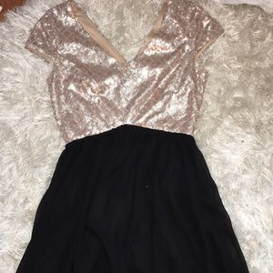 Dresses & Skirts - Sparkly dress!!!